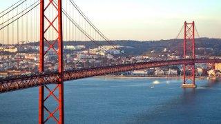 lisbonne pont - voyage portugal açores et madère - terra lusitania