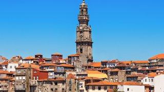 porto tour clerigos - voyage portugal açores et madère - terra lusitania